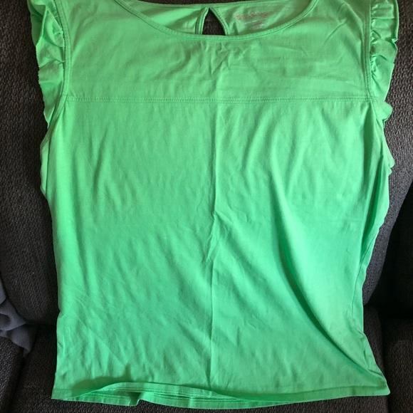 5d9235e44ea9a Lilly Pulitzer Green flutter sleeve T-shirt